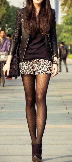 biker-jacket-v-neck-t-shirt-mini-skirt-ankle-boots-tights-large-3963