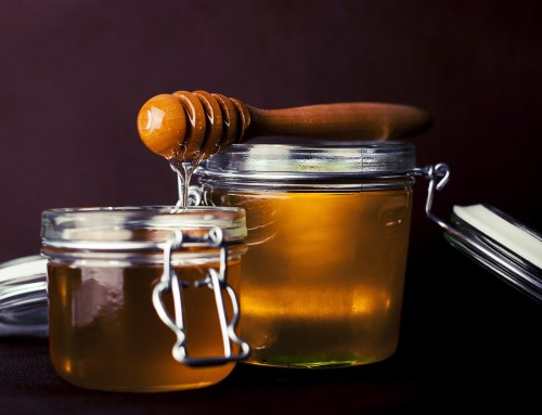 All Natural Beauty: Honey Benefits for Skin Care